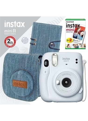 Instax Instax mini 11 Beyaz Fotoğraf Makinesi ve Jean Aksesuarlı Hediye Seti 1 Beyaz